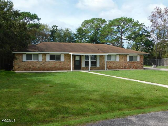 21 Davis Bayou Cir, Ocean Springs, MS 39564 (MLS #346816) :: Coastal Realty Group