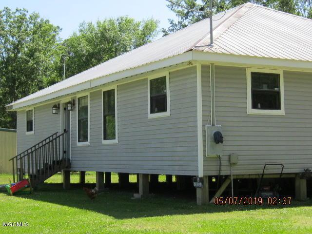 7127 Sunflower St, Bay St. Louis, MS 39520 (MLS #348053) :: Coastal Realty Group