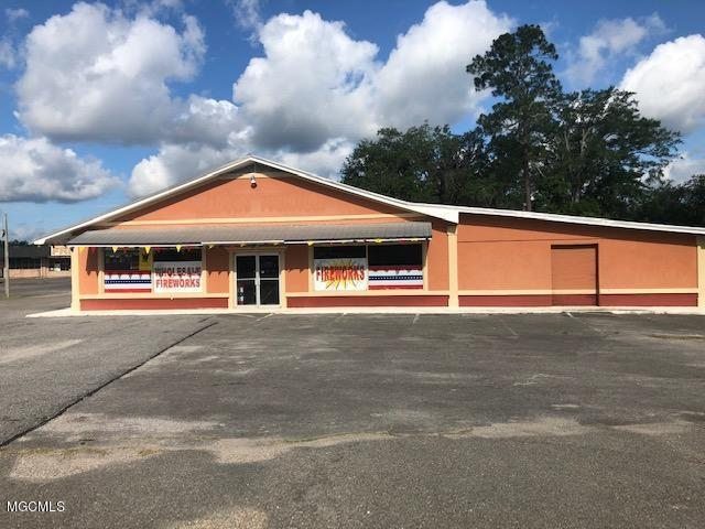 7841 Highway 613, Moss Point, MS 39563 (MLS #349726) :: Sherman/Phillips