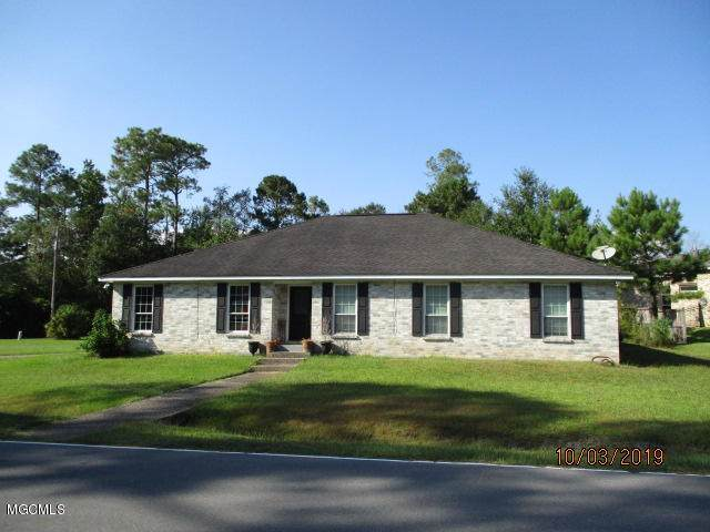 6427 Kome Dr, Diamondhead, MS 39525 (MLS #354189) :: Coastal Realty Group