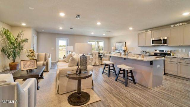 6576 Eastland Cir, Biloxi, MS 39532 (MLS #359082) :: Coastal Realty Group