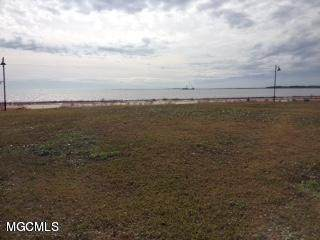 1101 Beach Blvd, Pascagoula, MS 39567 (MLS #362349) :: Coastal Realty Group