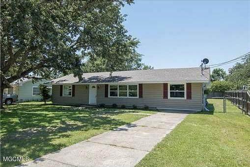 108 Oak View Ave, Long Beach, MS 39560 (MLS #365408) :: Keller Williams MS Gulf Coast