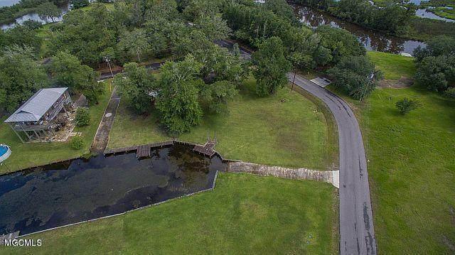 10304 Eagle Point Cir, Biloxi, MS 39532 (MLS #367108) :: Berkshire Hathaway HomeServices Shaw Properties