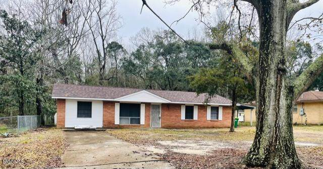 7428 Madison Dr, Biloxi, MS 39532 (MLS #367417) :: Coastal Realty Group