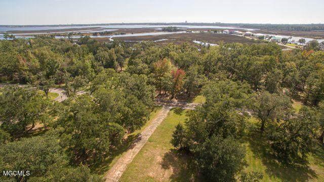 10158 E Shorecrest Rd, Biloxi, MS 39532 (MLS #367872) :: Berkshire Hathaway HomeServices Shaw Properties