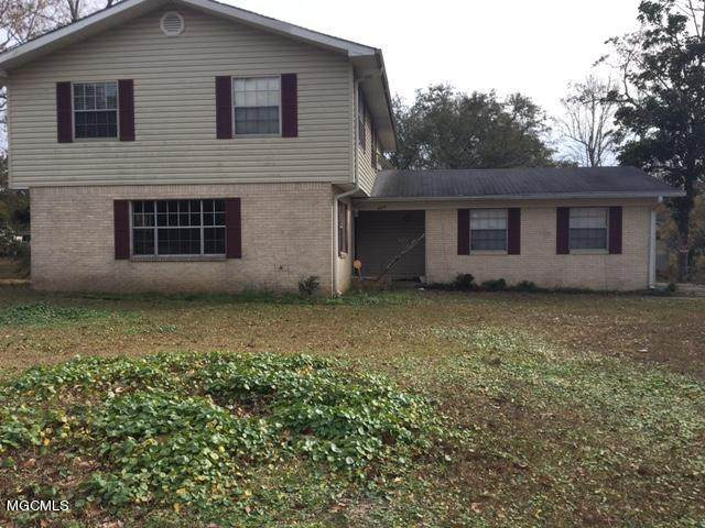 3830 Baywood Dr, Moss Point, MS 39563 (MLS #370672) :: The Sherman Group