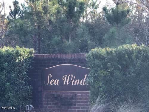 6501 Seawinds Blvd, Biloxi, MS 39532 (MLS #372597) :: Biloxi Coastal Homes