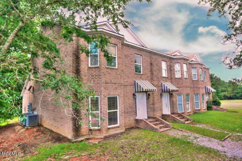 10092 Mclaurin St - Photo 1