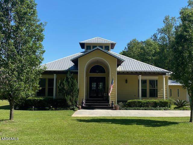 529 W Lakeshore Dr, Carriere, MS 39426 (MLS #374186) :: Dunbar Real Estate Inc.