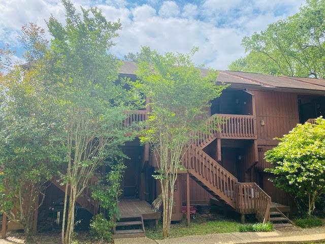 128 Lakeside Villa - Photo 1