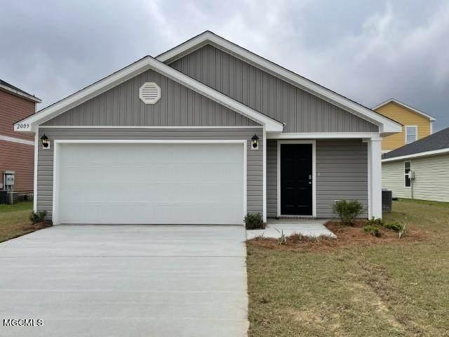 2105 Napoleon St, Ocean Springs, MS 39564 (MLS #375264) :: Dunbar Real Estate Inc.