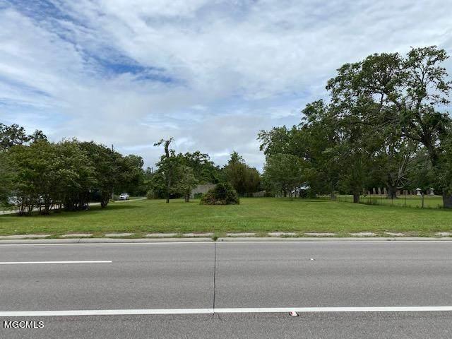 524 W Beach Blvd, Pass Christian, MS 39571 (MLS #375272) :: Biloxi Coastal Homes