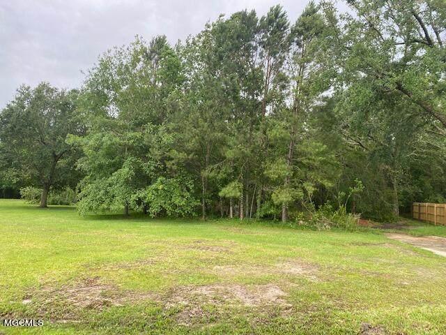 572 Haina St, Diamondhead, MS 39525 (MLS #375868) :: Biloxi Coastal Homes