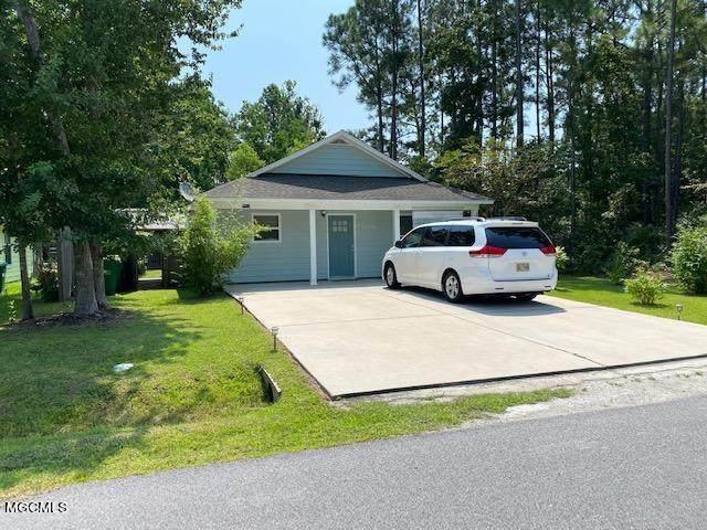 2712 N 13th St, Ocean Springs, MS 39564 (MLS #378400) :: Biloxi Coastal Homes