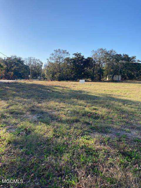 205 Courthouse Rd, Gulfport, MS 39507 (MLS #378937) :: The Sherman Group