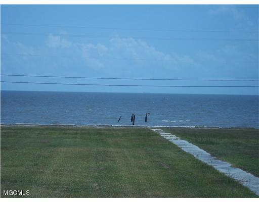 934 S Beach Blvd, Waveland, MS 39576 (MLS #316808) :: The Sherman Group
