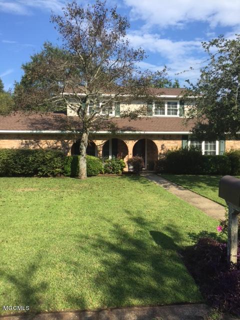 910 Warren St, Pascagoula, MS 39567 (MLS #325230) :: Amanda & Associates at Coastal Realty Group