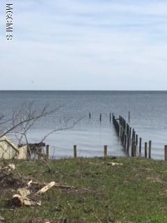 5009 E Belle Fontaine Dr, Ocean Springs, MS 39564 (MLS #330875) :: Amanda & Associates at Coastal Realty Group