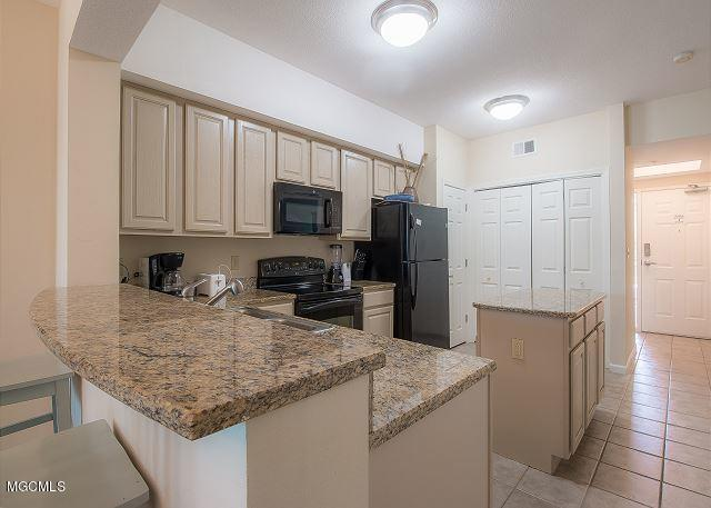 2228 Beach Dr #307, Gulfport, MS 39507 (MLS #348326) :: Coastal Realty Group
