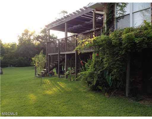 6304 Porteaux Rd, Ocean Springs, MS 39564 (MLS #356149) :: Coastal Realty Group