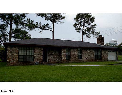 4618 Frederick St, Moss Point, MS 39563 (MLS #356789) :: Coastal Realty Group
