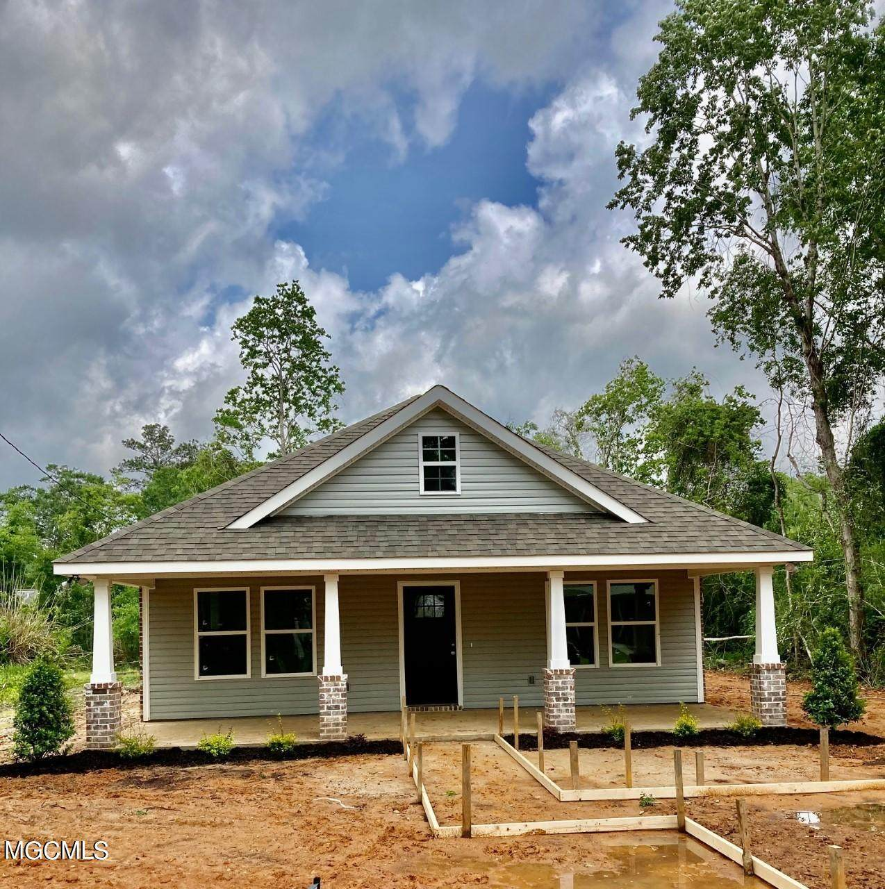 6030 Red Bud Dr - Photo 1
