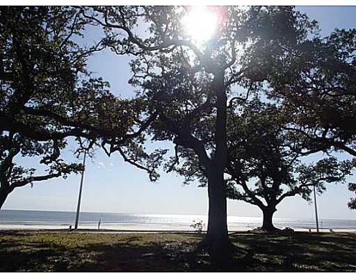 2524 Beach Blvd, Biloxi, MS 39531 (MLS #272295) :: Coastal Realty Group