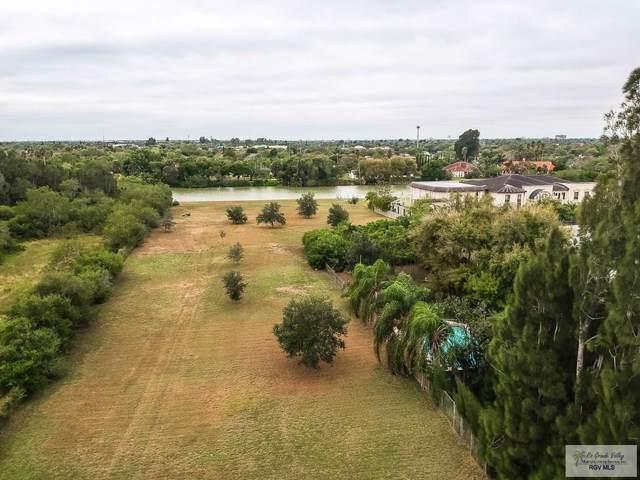 520 Acacia Lake Dr., Brownsville, TX 78521 (MLS #29720524) :: The Monica Benavides Team at Keller Williams Realty LRGV