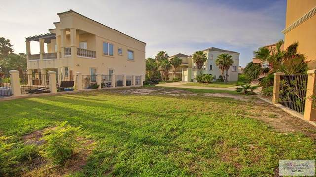 5 Bay Harbor Cove #5, South Padre Island, TX 78597 (MLS #29722453) :: The Monica Benavides Team at Keller Williams Realty LRGV