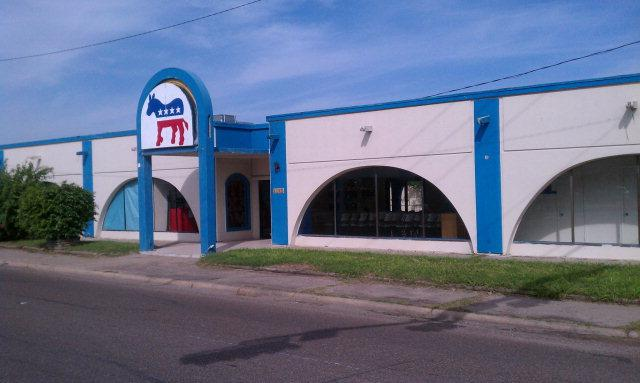 1767 Boca Chica Blvd., Brownsville, TX 78520 (MLS #29663302) :: The Monica Benavides Team at Keller Williams Realty LRGV
