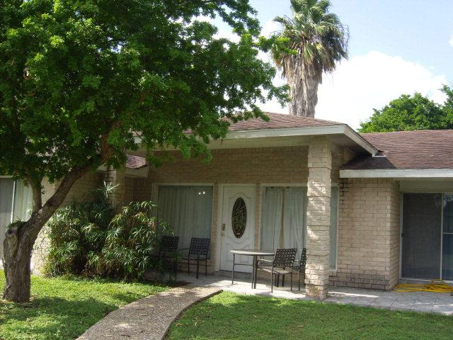 10 N Country Club Rd., Brownsville, TX 78520 (MLS #29663463) :: Berkshire Hathaway HomeServices RGV Realty