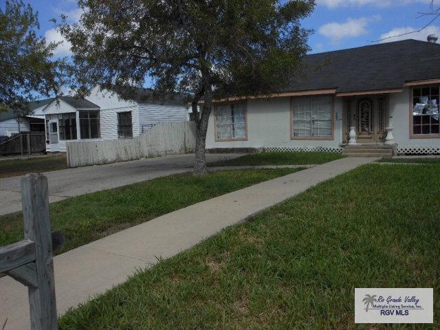 925 E Pierce Ave., Harlingen, TX 78550 (MLS #29703110) :: The Martinez Team