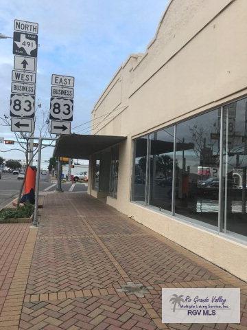 202 S Texas Ave, Mercedes, TX 78570 (MLS #29703429) :: The Martinez Team