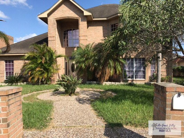 2320 Deer Run Cir. Gated Community, Brownsville, TX 78526 (MLS #29703996) :: The Martinez Team