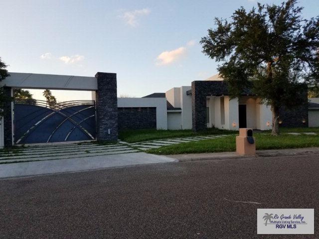 7 Shadowbrook Ln., Brownsville, TX 78521 (MLS #29704232) :: The Martinez Team