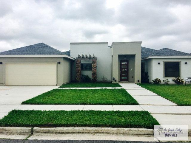 4056 Lakeview Dr, Brownsville, TX 78520 (MLS #29704929) :: The Martinez Team