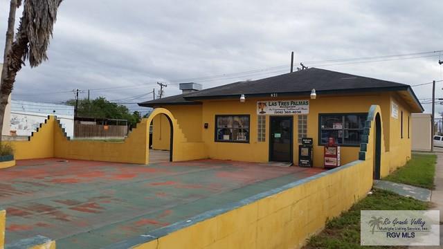 421 W Jackson Ave., Harlingen, TX 78550 (MLS #29709093) :: The Martinez Team