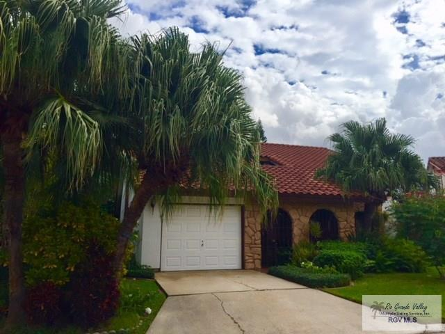 11 Resaca Vista Dr., San Benito, TX 78586 (MLS #29709231) :: The Martinez Team