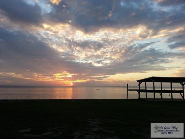 801 Beach Blvd. 102B, Laguna Vista, TX 78578 (MLS #29709232) :: The Martinez Team