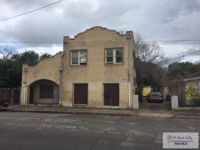 343 E Jefferson St., Brownsville, TX 78520 (MLS #29709968) :: The Martinez Team