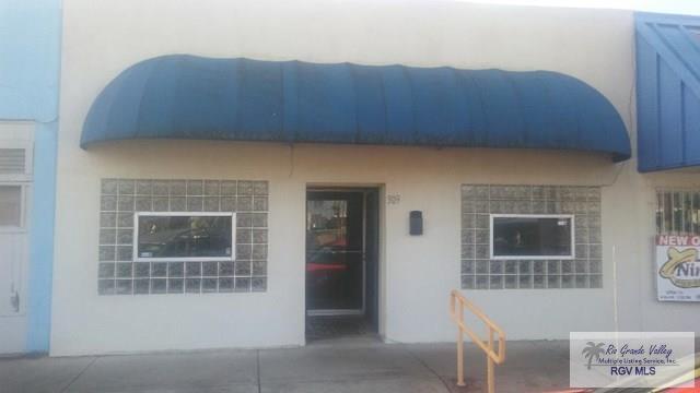 309 W Van Buren Ave., Harlingen, TX 78550 (MLS #29710513) :: The Martinez Team