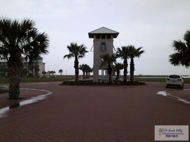 111 Shore Dr., South Padre Island, TX 78592 (MLS #29710645) :: The Monica Benavides Team at Keller Williams Realty LRGV