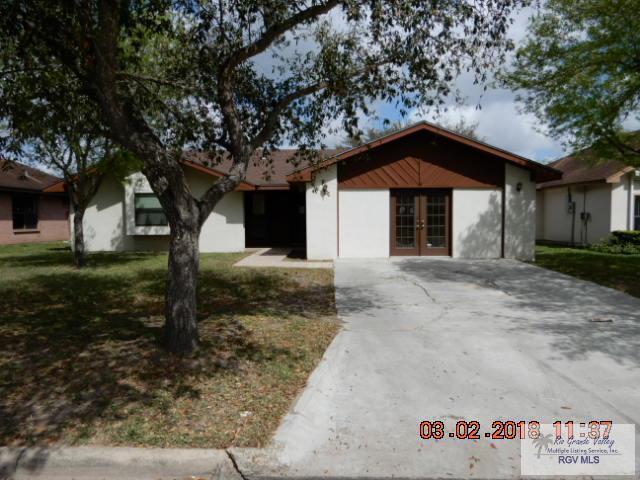 153 Gilson Rd., Brownsville, TX 78520 (MLS #29710749) :: The Martinez Team