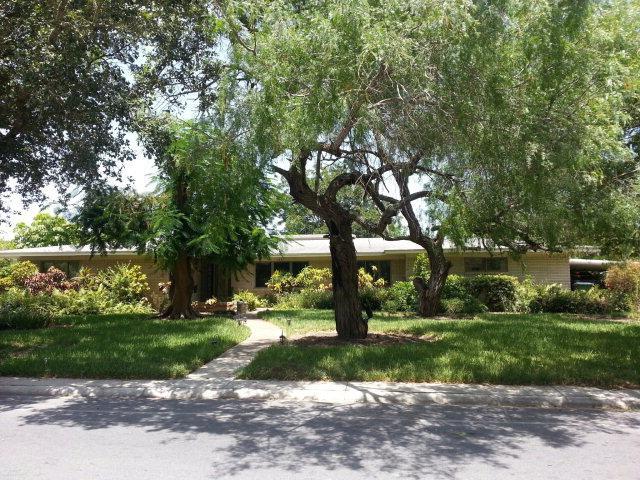 135 Calle Cenizo, Brownsville, TX 78520 (MLS #29711289) :: The Martinez Team