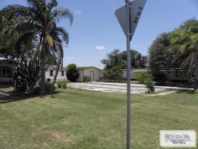 1325 Sunwest Blvd., Harlingen, TX 78552 (MLS #29711835) :: The Monica Benavides Team at Keller Williams Realty LRGV