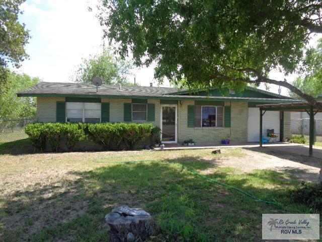 758 E Hidalgo Ave., Raymondville, TX 78580 (MLS #29712190) :: The Martinez Team