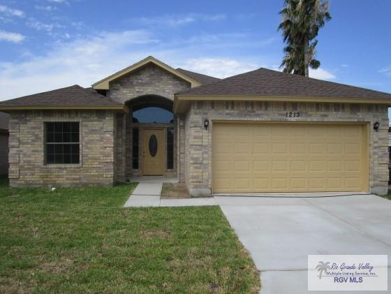 1213 Oak St., Harlingen, TX 78552 (MLS #29712374) :: The Martinez Team