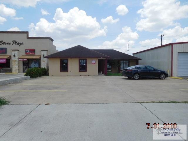 212 N Arroyo Blvd., Los Fresnos, TX 78566 (MLS #29713235) :: The Monica Benavides Team at Keller Williams Realty LRGV