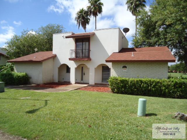 210 Balboa Balboa Ave., Rancho Viejo, TX 78575 (MLS #29714409) :: The Monica Benavides Team at Keller Williams Realty LRGV
